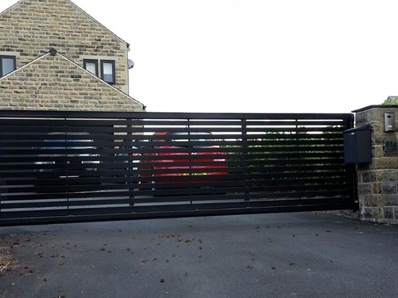 Cantilever-sliding-gates