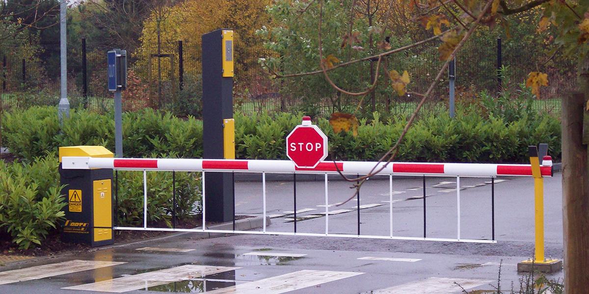 Roadway swing gate bing images